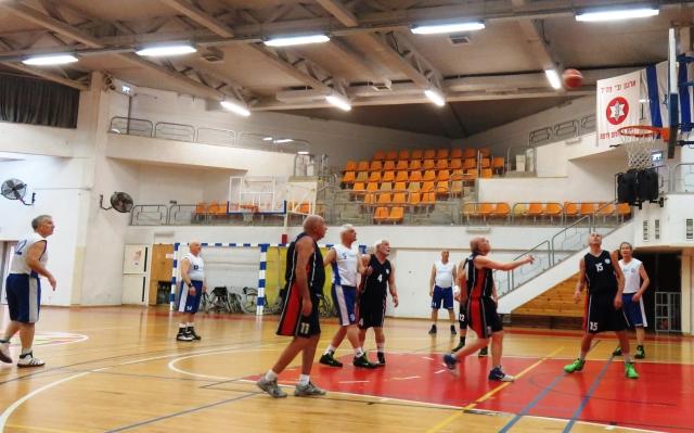 Еврейская община СПб ветераны-баскетболисты визит в Израиль